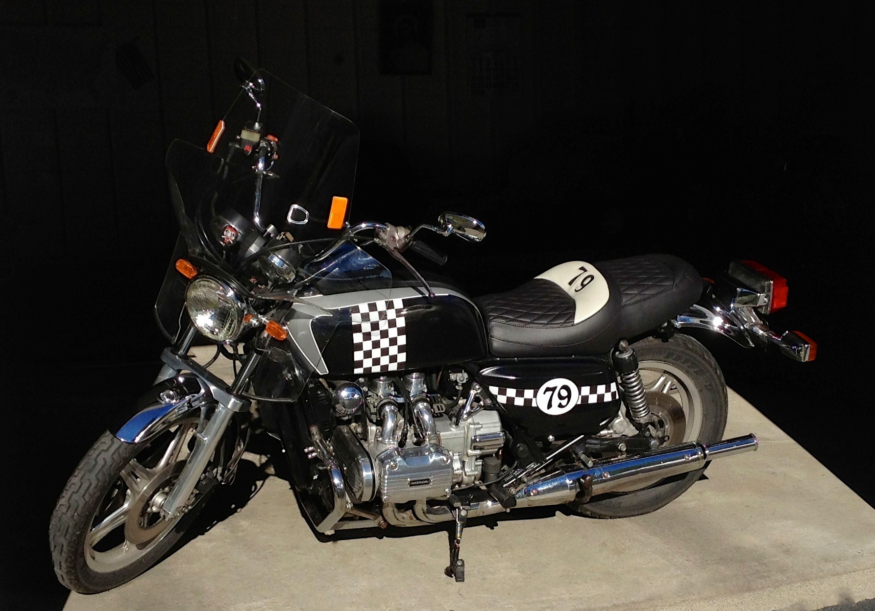 Motorcycle 1974 Kawasaki 1600 V8 Details and Pictures